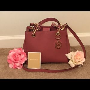 Michael Kors Dusty Rose Tote With Shoulder Strap.